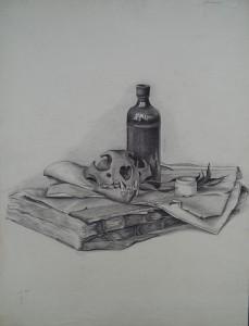 Stilleven met dierenschedel, fles, potje, papier en oud boek